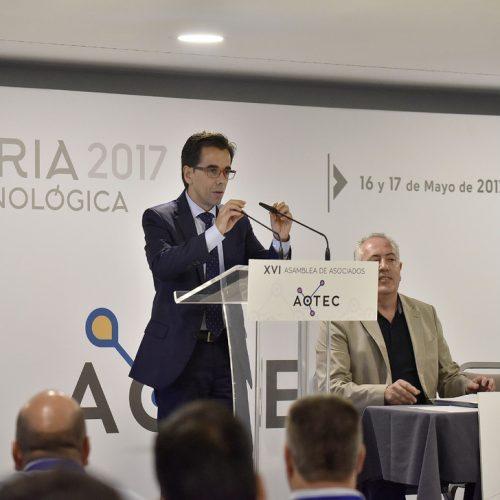 El director general de Telecomunicaciones de la Junta de Andalucía, Manuel Ortigosa, pone en valor a los operadores locales de telecomunicaciones como sector con futuro.