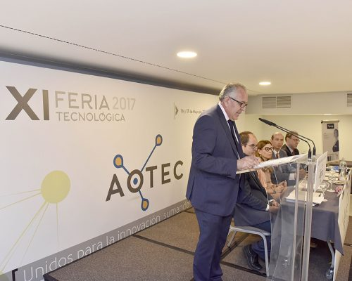 El presidente de AOTEC, Antonio García Vidal, inaugurando las jornadas técnicas AOTEC 2017.