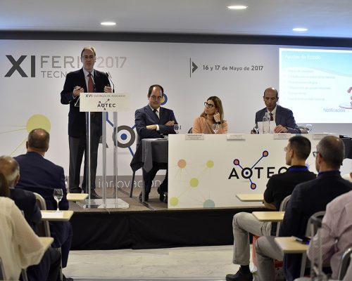 El subdirector de la Sociedad de la Información de la Dirección de Competencia de la CNMC, Jordi Fornells, en las jornadas técnicas de AOTEC 2017.