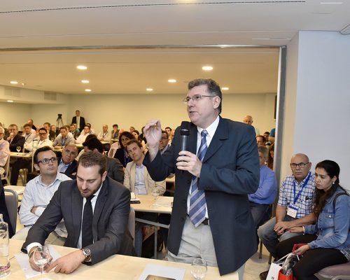 Interés y expectación entre los operadores locales de telecomunicaciones por conocer las respuestas de los responsables de la CNMC y el Gobierno central en las jornadas técnicas AOTEC 2017.