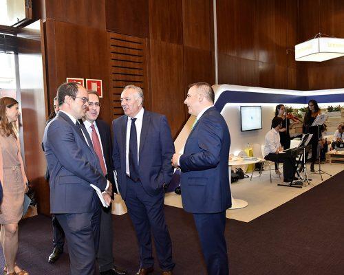 Representantes del Ministerio de Energía, Turismo y Agenda Digital, de la CNMC, AOTEC y el Gobierno de Murcia, en la inauguración de la feria.