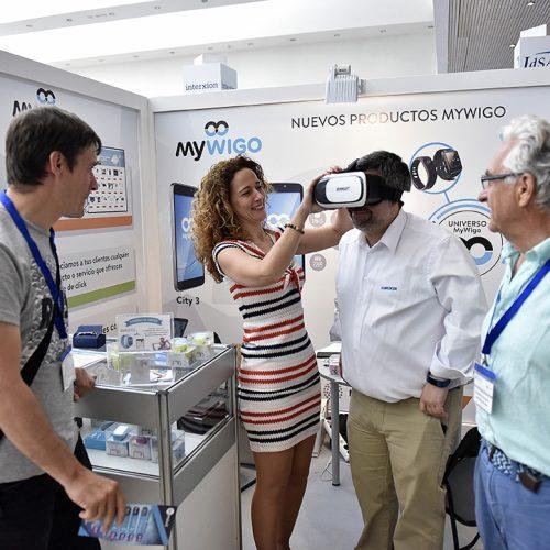 El creador de telefonía Mywigo enseña los avances de la realidad virtual.
