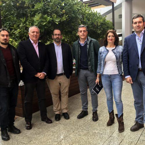 El presidente de Aotec, Antonio García Vidal, junto a miembros de su nueva Junta directiva