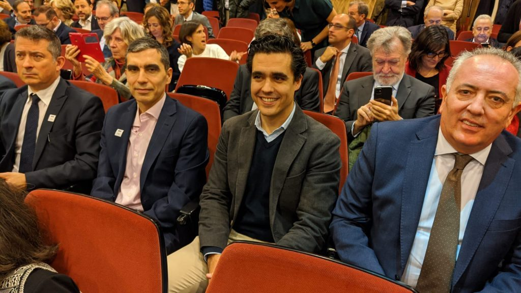 De izquierda a derecha, losrepresentantes de Intracom Telecom, Ercole Rovida y Javier Hidalgo, el vocal de la entidad Luis Abenza, el presidente de Aotec, Antonio García Vidal.