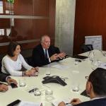 El presidente de Aotec, Antonio García Vidal, la vicepresidenta, María Jesús Cauhe y el vocal de la entidad Luis Abenza, han mantenido un encuentro con el subdirector de Análisis de mercados de la Dirección de Telecomunicaciones y del sector audiovisual de la CNMC, Juan Diego Otero Martín.